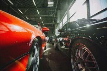 vintage-luxury-cars-garage